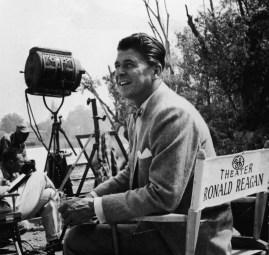 """Ronald Reagan pendant le tournage d'un épisode de """"General Electric Theater"""" - 1960"""