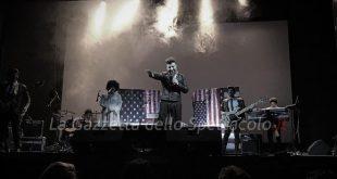 Voglio fa l'americano, Tony D'Ursi e la Jersey Band