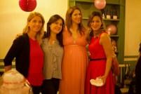 Un momento del baby shower. Foto di Sara Galimberti.