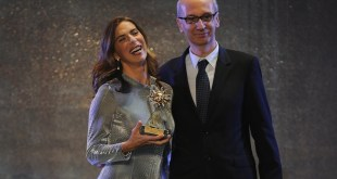 Veronica Maya premiata per Donna in carriera da Angelo Ascoli a Tuttosposi 2016.