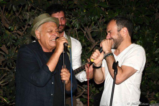Enzo Gragnaniello e Massimiliano Gallo. Alla chitarra Antonio Maiello