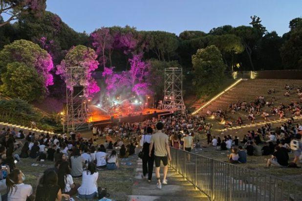 Concerto Anfiteatro Cascine di Firenze. Foto di repertorio