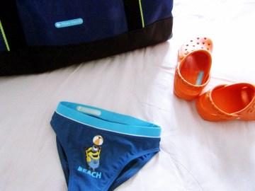 crea etichette personalizzate per il set piscina fato da L'Agenda di mamma Bea