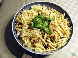 Pasta e fantasia strozzapreti con olive taggiasche e scorfano cucinati da L'Agenda di mamma Bea