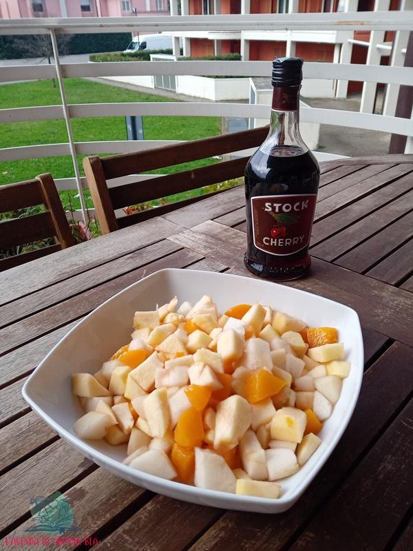 frutta al vino con la macedonia de L'Agenda di mamma Bea