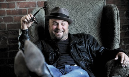 Native son returns to headline fundraiser at Pirate's Cove