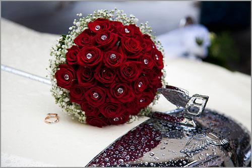 Bouquet Sposa Con Swarovski.Bouquet Sposa Con Rose Rosse Passion E Cristalli Swarovski
