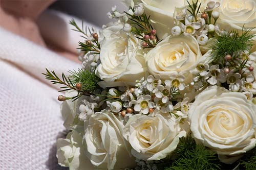 waxflowers-bouquet-sposa