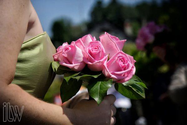 bouquet damigella sposa con rose rosa