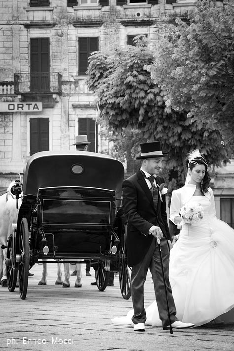 1-matrimonio-in-carrozza-con-cavalli
