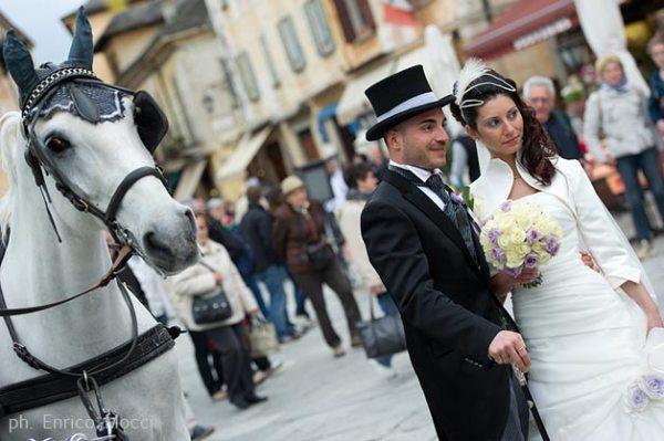 2-matrimonio-in-carrozza-con-cavalli