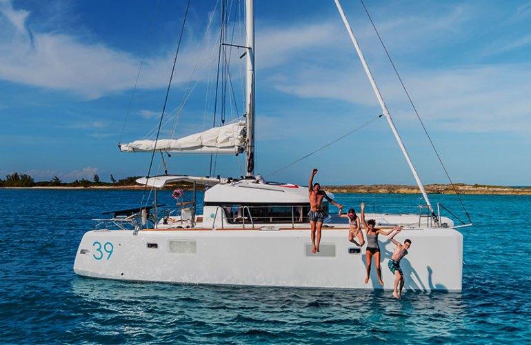 Lagoon 39 sailboat sail boat sailyacht purjevene purje vene purjejahti Nicolas Claris vene jahti yacht boat catamaran katamaraani YachtsAgent kuva picture