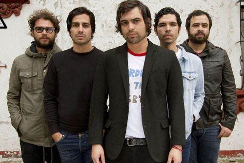 """Enjambre: """"nos emociona la idea de regresar a España a presentar esta nueva faceta de la banda""""."""