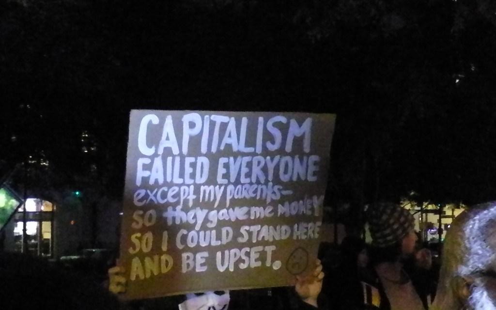 Le capitalisme échoue—nous avons besoin d'une feuille de route pour survivre au chaos climatique
