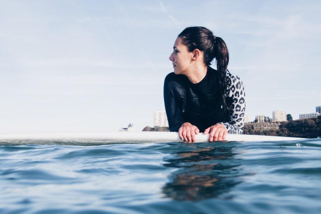 Lolita brisson blog surf madame en train de surfer