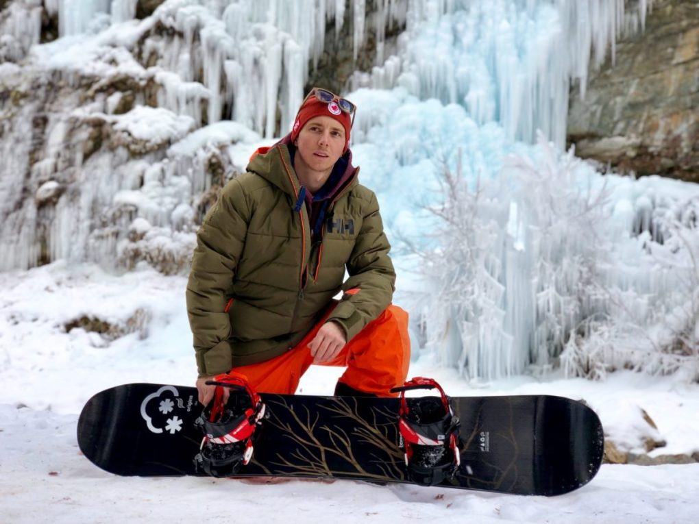 Ludwig Bianchin avec sa board Boréalis e1553674302828 - Rencontre avec Ludwig Bianchin, un snowboarder qui a du chien