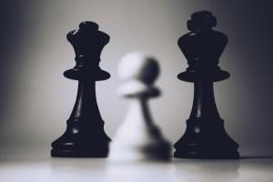piezas de tablero de ajedrez