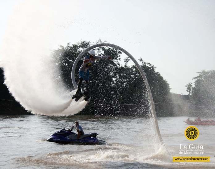 FlyBoard en el río Sinú