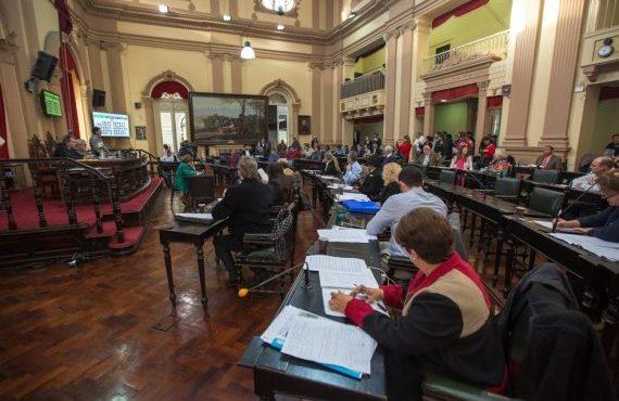 Diputados aprobó expropiar dos inmuebles para venderlos a sus actuales ocupantes en el Barrio Las Colinas