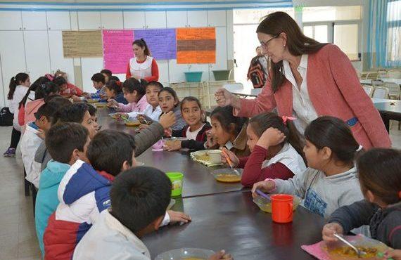 Este fin de semana y hasta finalizar el ciclo lectivo abrirán 139 escuelas para brindar almuerzo