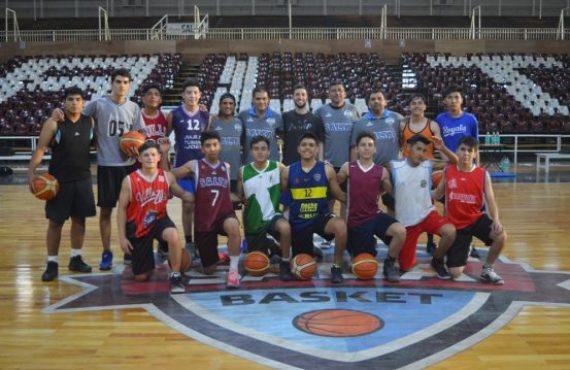 El Cuerpo Técnico de Salta Basket arrancó con la formación de jugadores