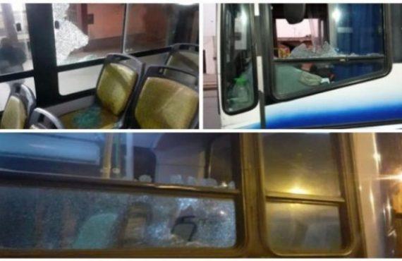 De nuevo y durante la madrugada tres coches de SAETA fueron apedreados