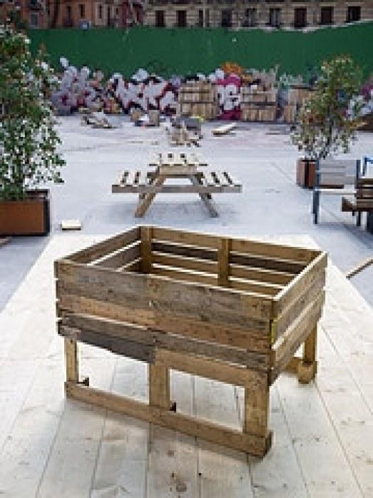 Proyectos con palets para huerto o jardin la huertina de for Mesas de palets para jardin
