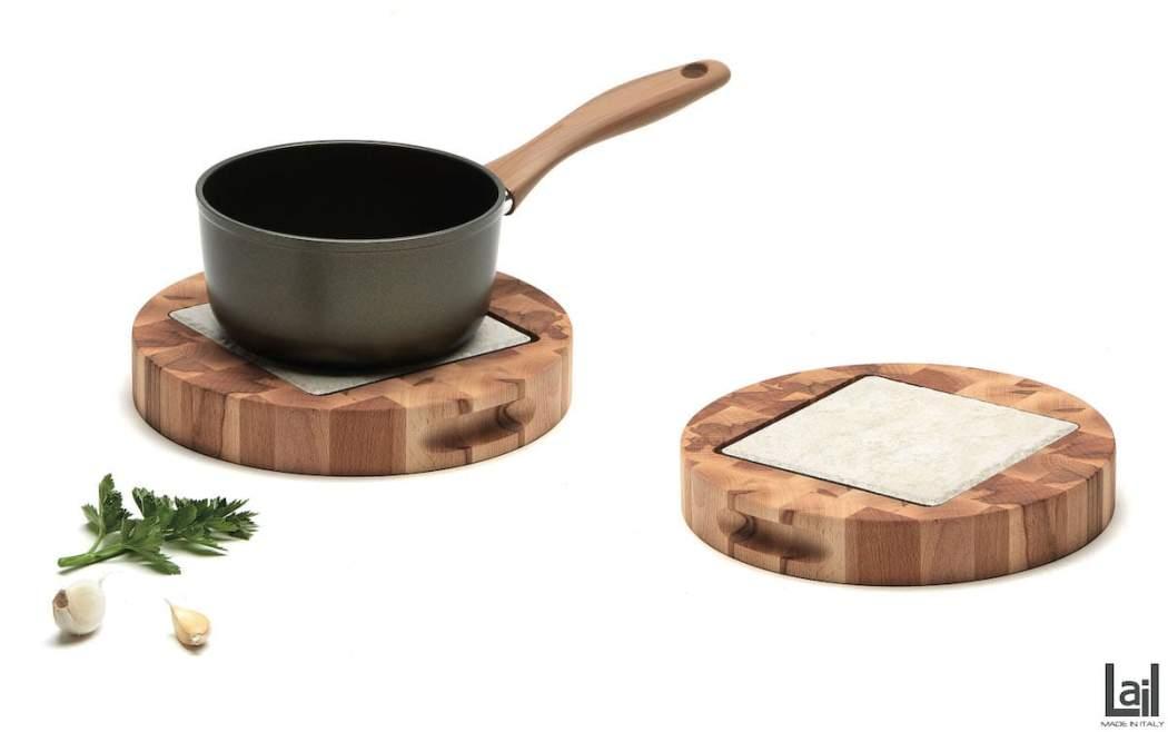 Sottopentola rotonda in faggio cuorato con mattonella in greis porcellanato
