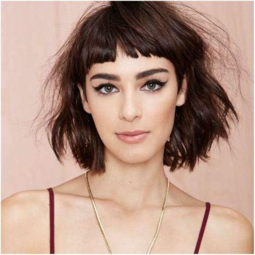Inspiração corte de cabelo curto com franja e repicado