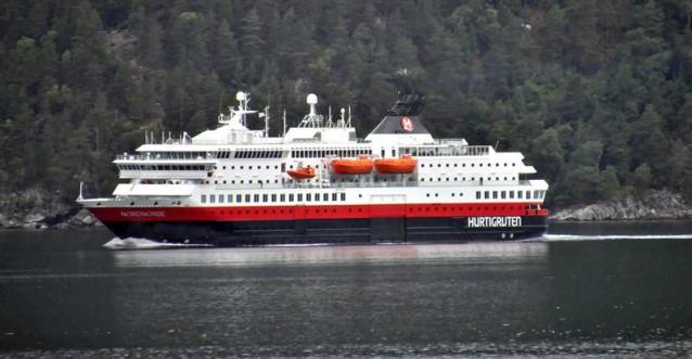 NORDNORGE. Rakennettu 1997, Norja. 123x24m. Pääkoneet 2 x MaK 6M552C 9000KW. Alus aloitti 2002 risteilyt Chilestä Etelänapamantereelle. Alus vuokrattiin joulukuussa 2008 Adrianmerelle hotellilaivaksi. Nykyään Hurtigrutenilla. Omistaja Hurtigruten ASA. Lippu: Norja