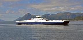 m/s Romsdalsfjord, polttoaineena LNG, sekä diesel.