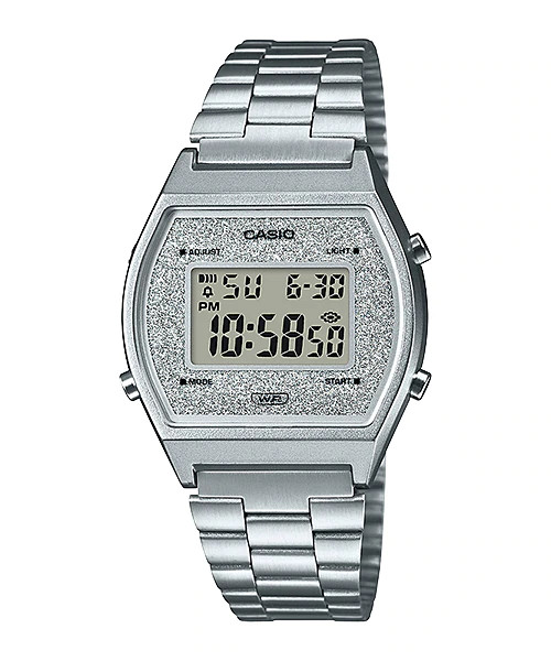 Reloj Casio para Mujer B640WDG-7EF Vintage Reloj Casio para Mujer B640WDG-7EF Vintage, con Multiple alarma, brazalete de acero inoxidable, iluminación de la pantalla mediante luz Led. La caja esta creada con resina y la pantalla hace un efecto destelleante con un juego de brillos en color plata. Dispone de Calendario automático, indicación en 12/24 horas, cierre ajustable y una resistencia al agua de 5 Atm. Las dimensiones del reloj son 38,9 mm x 35 mm x 9,9 mm (Al x An x Pr) y su peso de 49 gramos. Un reloj joven a la vez que resistente y ligero que podrá acompañarte haya donde vayas...