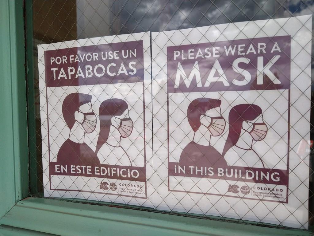 Masks every day, all the time at The Center / Máscaras todos los días, todo el tiempo en The Center