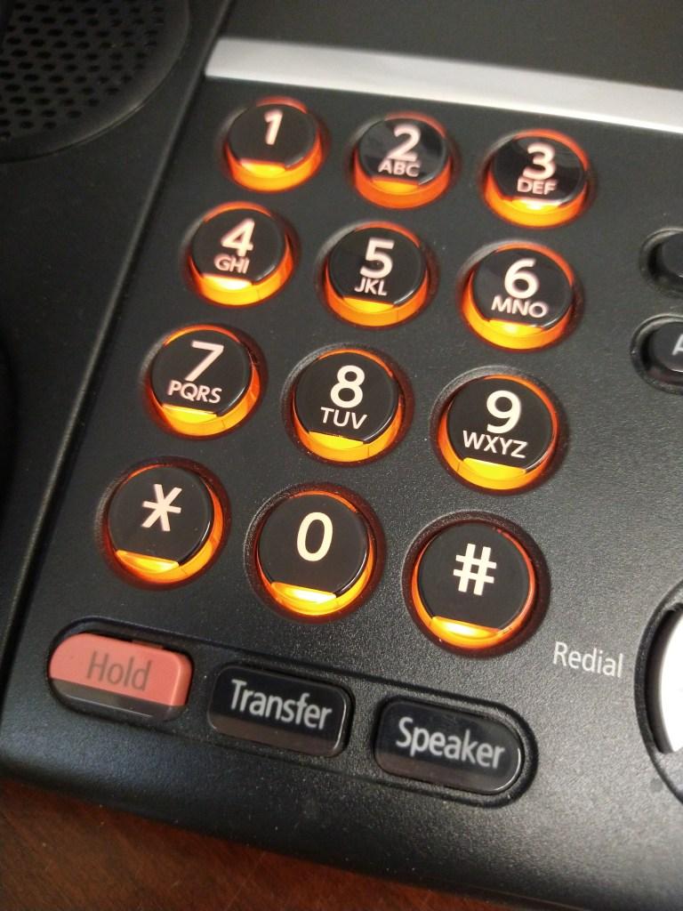 Keep your contact info up to date / Mantén tu información de contacto actualizada