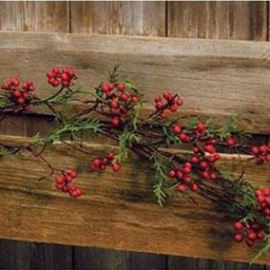 Cedar & Berry Garland