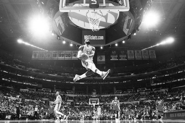 Los Angeles Lakers 111 – 121 Houston Rockets