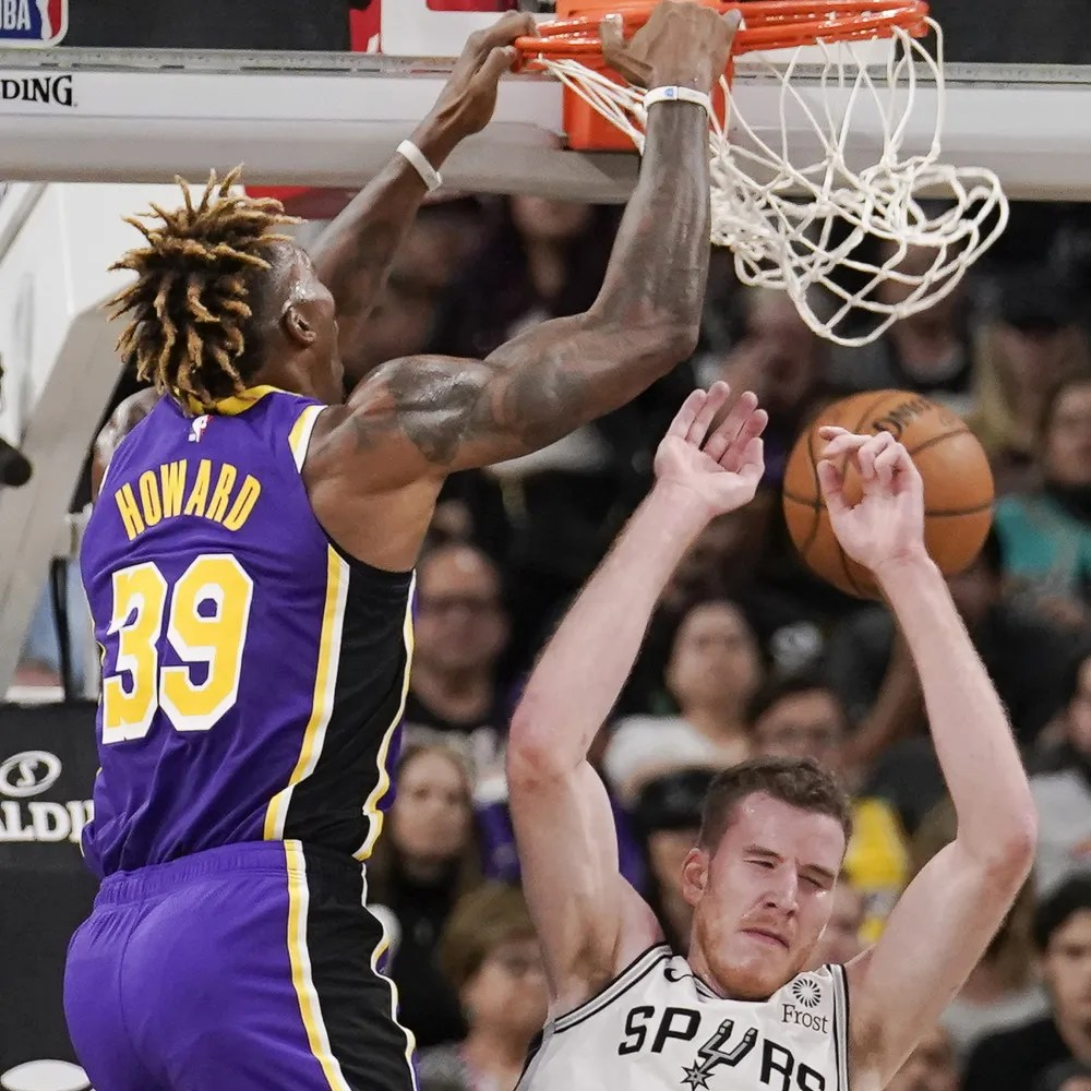Dwight Howard and Jakob Poeltl, Los Angeles Lakers vs San Antonio Spurs