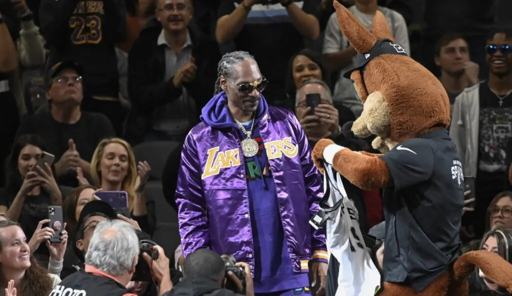 Snoop Dogg and The Coyote, Los Angeles Lakers vs San Antonio Spurs