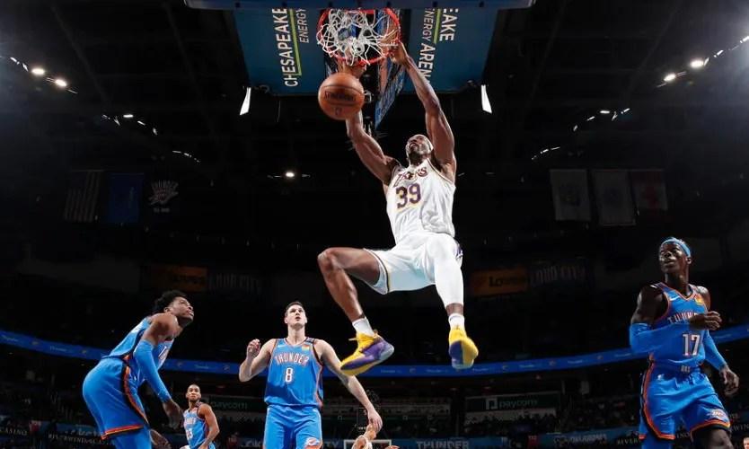 Dwight Howard, Los Angeles Lakers vs Oklahoma City Thunder at Chesapeake Energy Arena