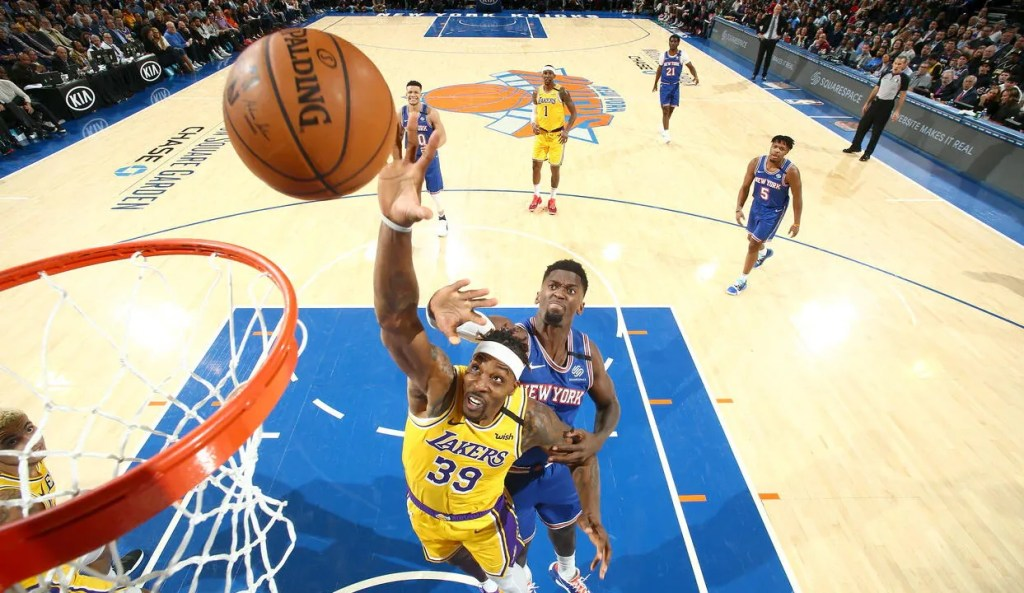 Dwight Howard, Los Angeles Lakers vs New York Knicks at Madison Square Garden