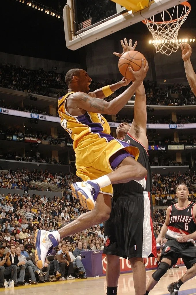 Kobe Bryant #24 of the Los Angeles Lakers goes strong to the hoop against the Portland Trail Blazers on March 16, 2007 at Staples Center in Los Angeles, California.