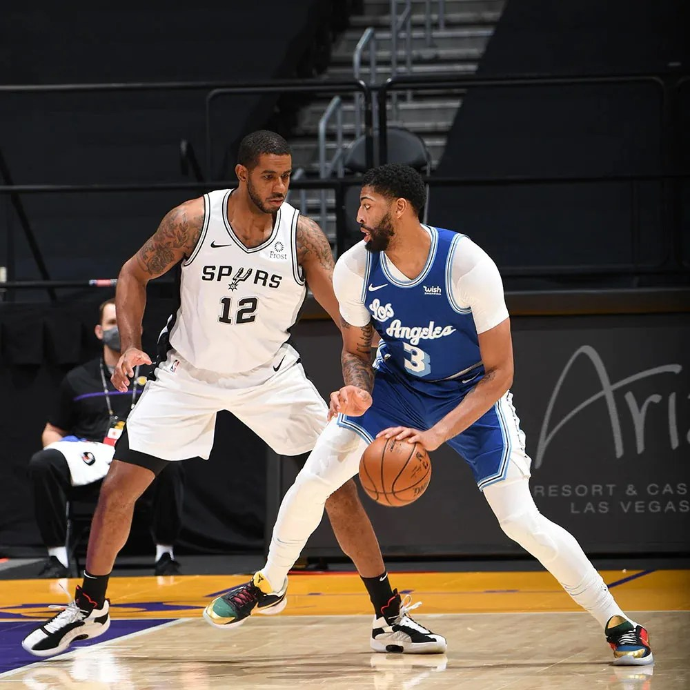 Anthony Davis and LaMarcus Aldridge, Los Angeles Lakers vs San Antonio Spurs at STAPLES Center on January 1, 2021