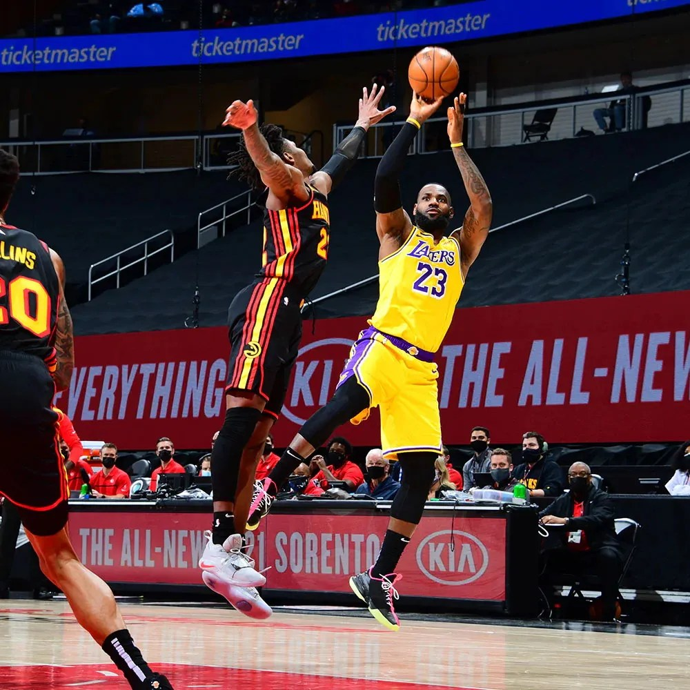 LeBron James and John Collins, Los Angeles Lakers vs Atlanta Hawks