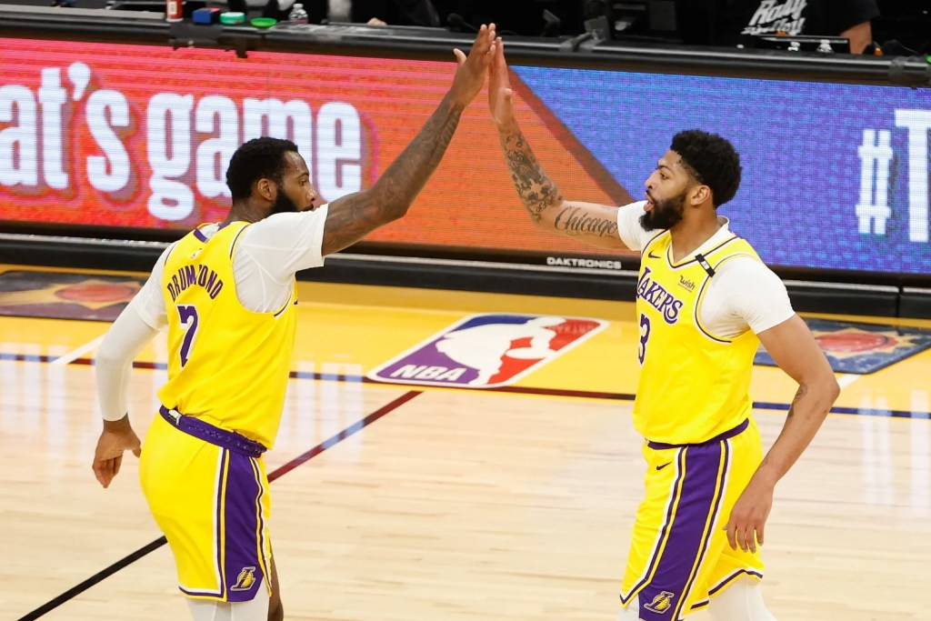Andre Drummond and Anthony Davis, Los Angeles Lakers vs Phoenix Suns