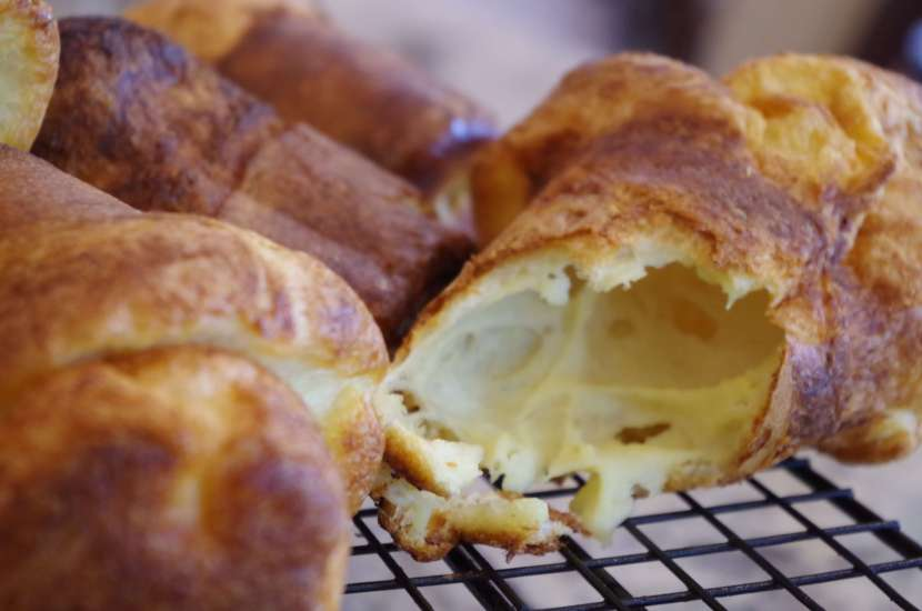 Popover recipe - these are great by themselves or as a sandwich. Stuff them with meat or eggs and cheese. So good! | www.lakesidetable.com
