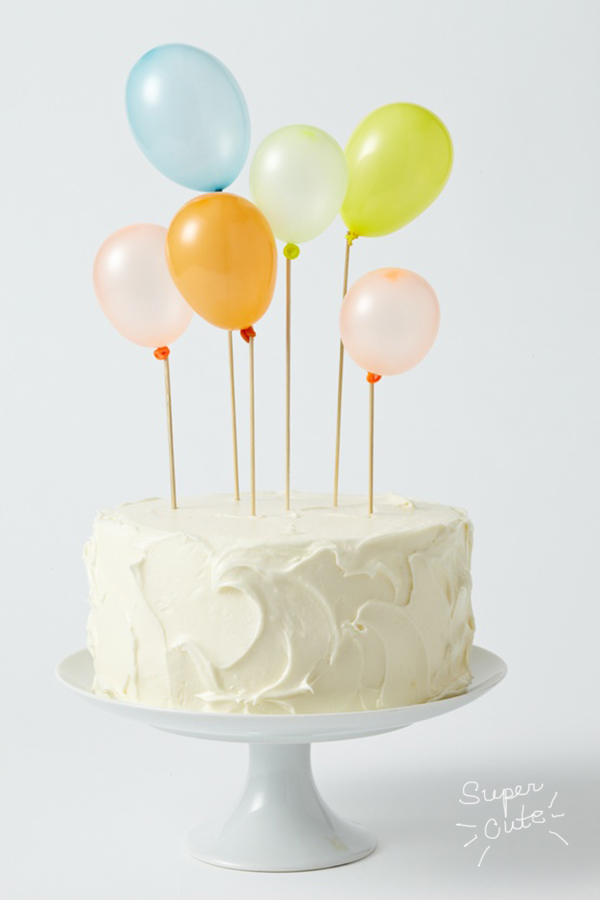 balloons on cake_la la lovely
