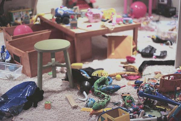playroom-mess-2_La-La-Lovely