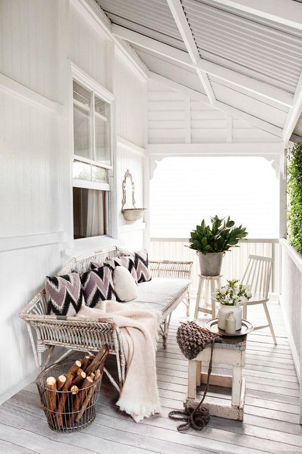 white porch_La La Lovely