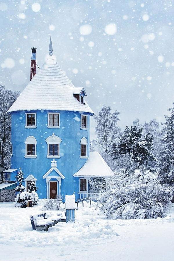 la la loving blue home