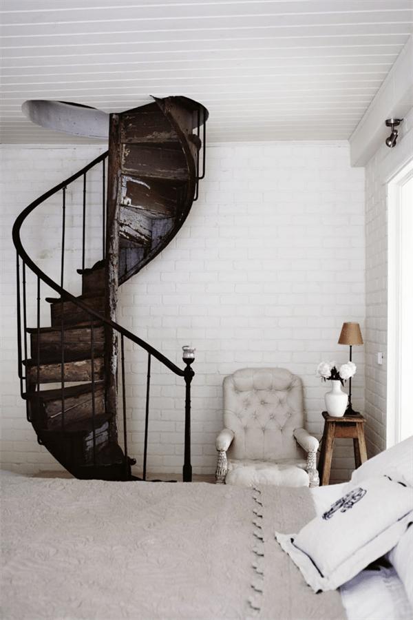 spiral staircase la la lovely